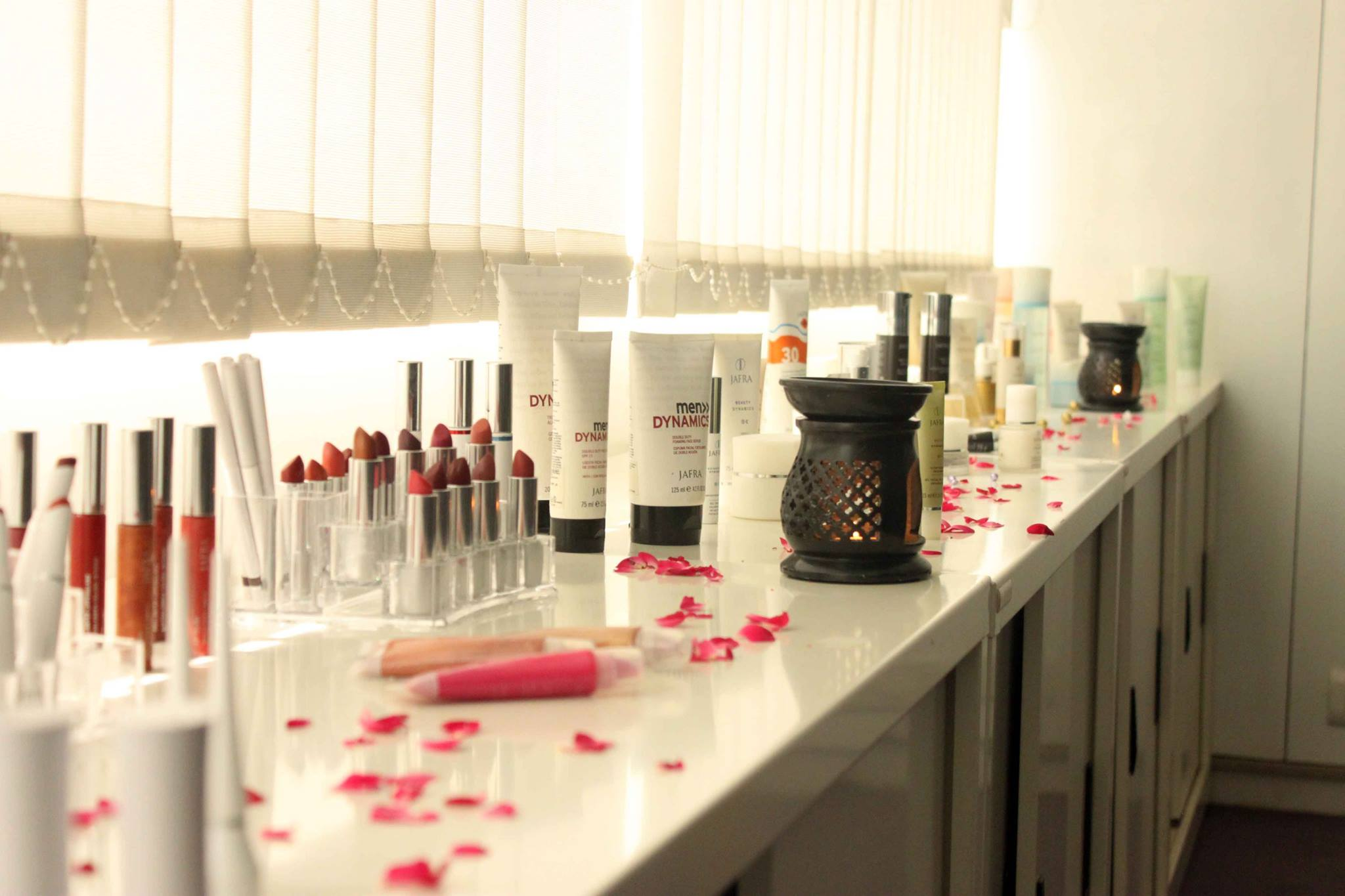 A Pampering Day At JAFRA! - Heart Bows & Makeup