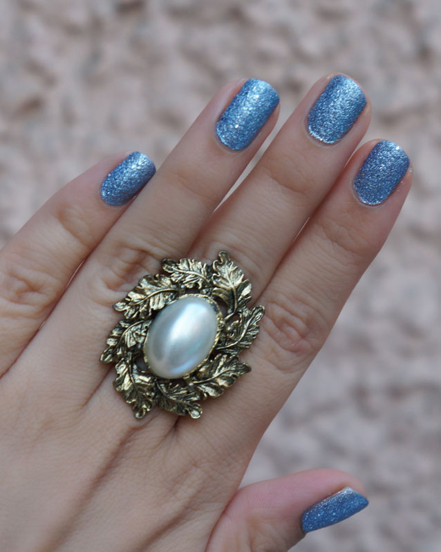 Maybelline Colorshow Glitter Mania Bling On The Blue Nail Polish Review, Swatches & NOTD
