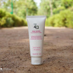 ZA True White Cleansing Foam Face Wash Review & Price