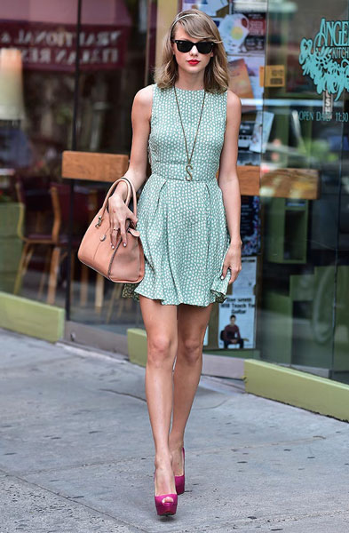 Taylor Swift's Best Outfits & Fashion Choices