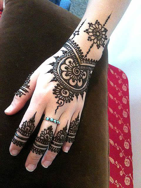 Latest Mehendi Designs For Fingers & Hands