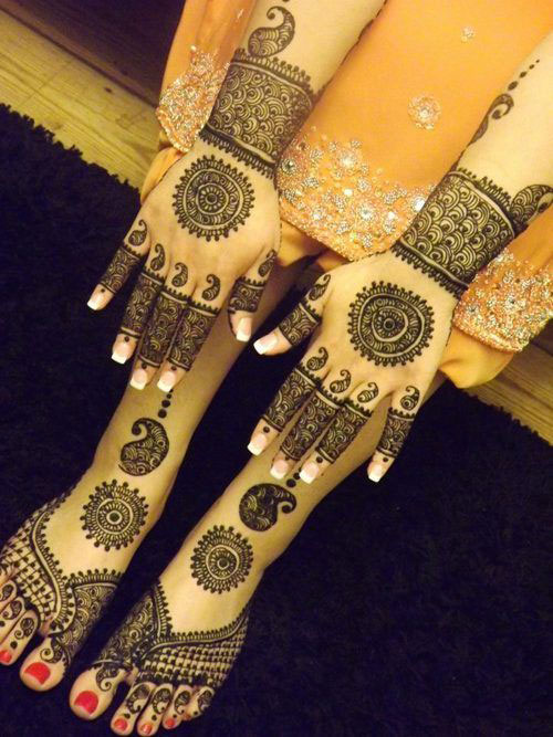 Latest Mehendi Designs For Karwa Chauth