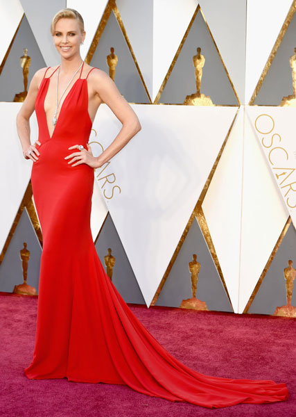 Best Red Carpet Dresses Charlize Theron At Oscars 2016