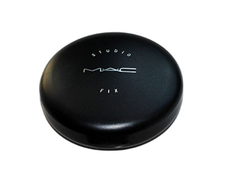 Best High End Compact Powder For Oily Skin India