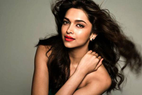 Bollywood Actress Deepika Padukone Images