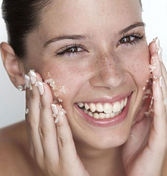 How To Do Whitening Facial At Home With Natural Homemade Ingredients