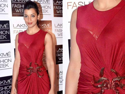 Mugdha Godse Wardrobe Malfunction Bollywood Actress Pictures