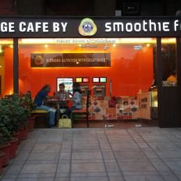 Smoothie Factory Janpath Review - Tasty, Delicious & Healthy!