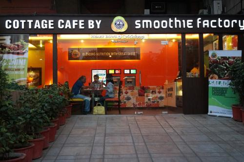 Smoothie Factory Janpath Review – Tasty, Delicious & Healthy!