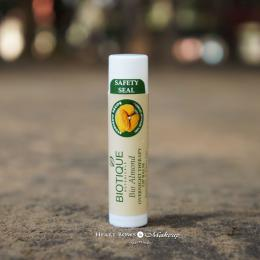 Biotique Bio Almond Overnight Therapy Lip Balm Review, Price & Buy India