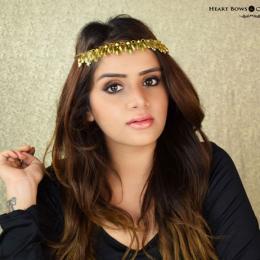 Brown Smokey Eye Makeup + Glossy Lips Inspired By Kareena Kapoor Khan!
