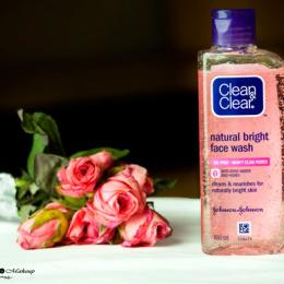 Clean & Clear Natural Bright Face Wash Review: The Perfect Cleanser for Dry Skin!