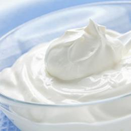 Best Benefits of Yogurt For Face, Skin, Hair & Weight Loss