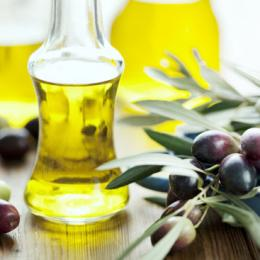 Best Benefits & Uses of Jojoba Oil for Acne & Scars