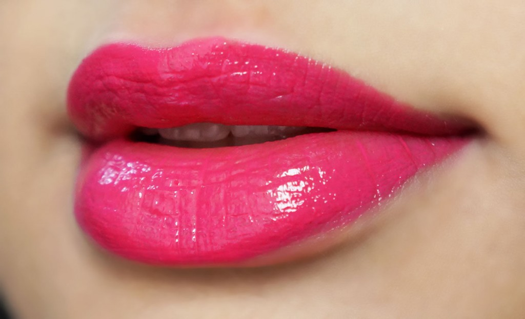 maybelline pink alert lipstick pow lip swatch on indian skin review