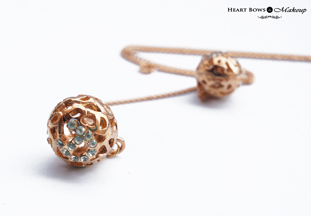 ZOTIQQ September Jewellery Box Review: Delicate Globe Necklace