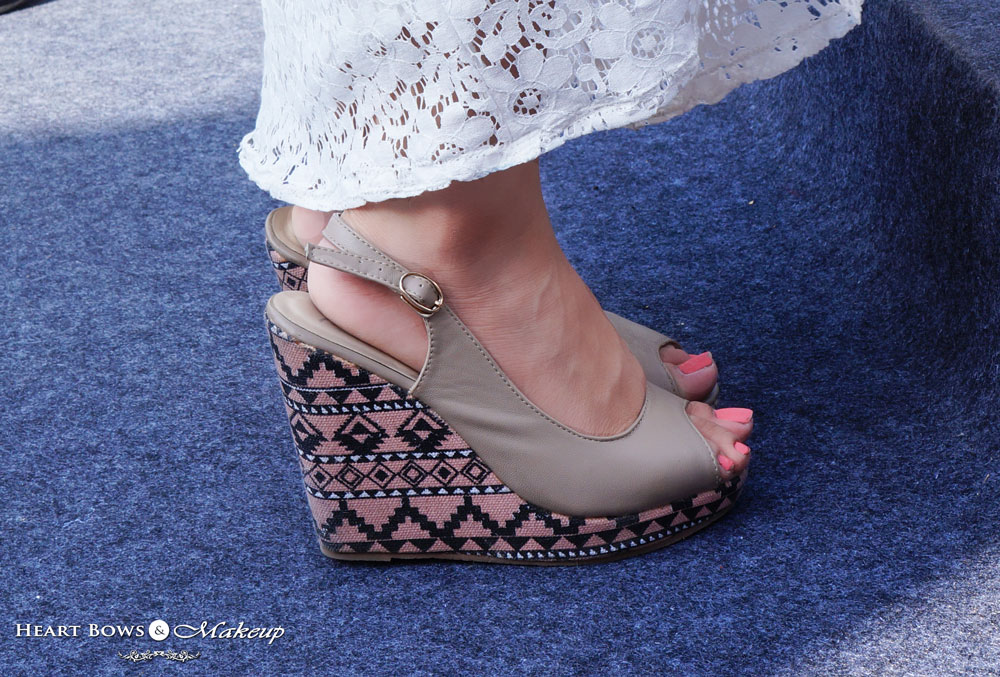 Delhi Fashion Blogger: Pretty Aztec Wedges