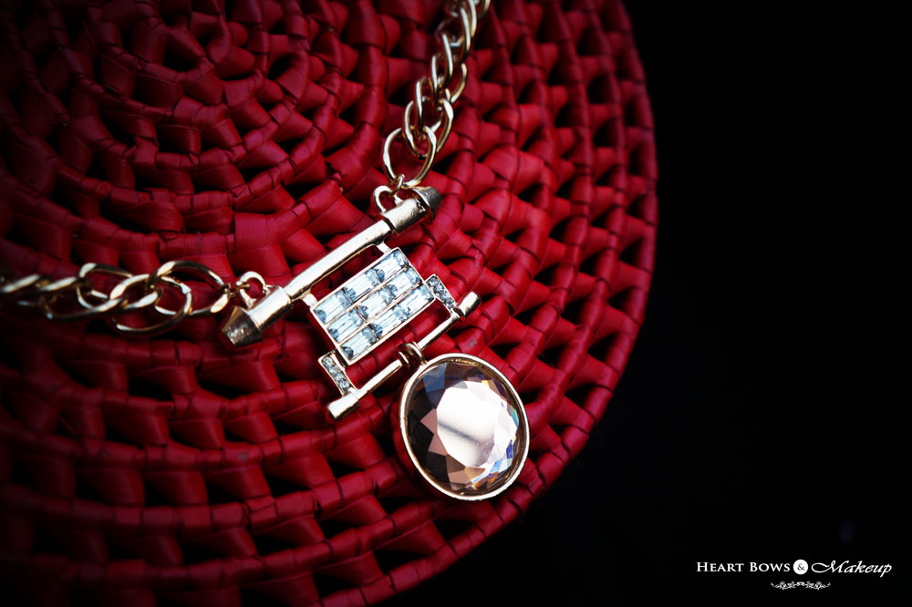 Beautiful Statement Necklace: ZOTIQQ November Jewellery Box Products