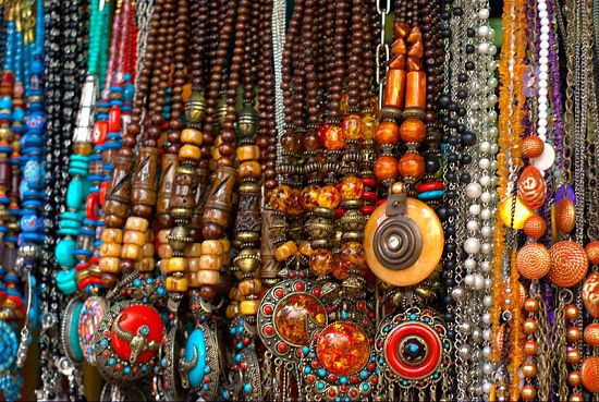 Popular Street Markets Of Mumbai