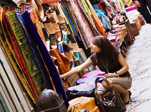 Top 10 Street Markets Of Mumbai