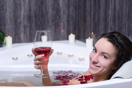 Top Benefits Of Red Wine For Women