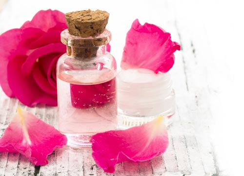 Best Uses Of Rose Water For Eyes Lips